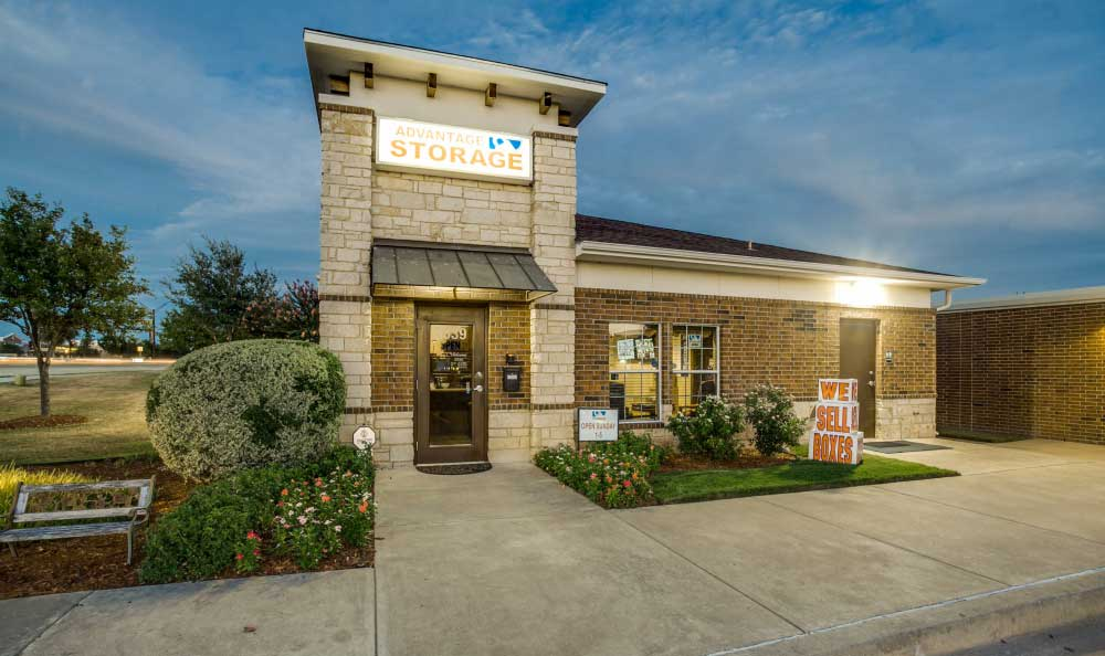 Welcome to Advantage Storage - Frisco Main Street.