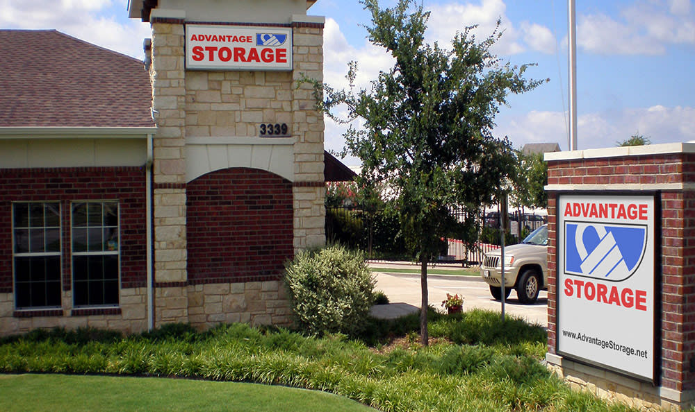 Sign at Advantage Storage - Frisco Main Street