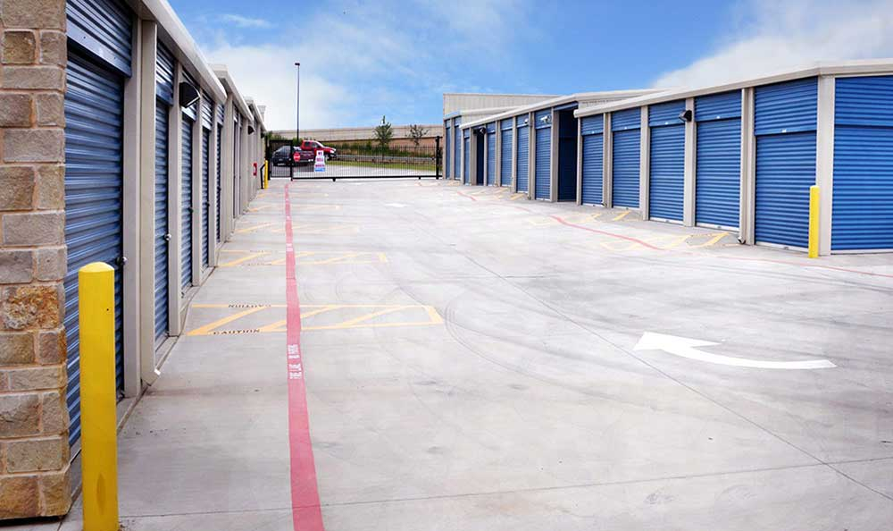 Outside Drive-Up Units at Advantage Storage - Irving / Las Colinas in Irving, TX
