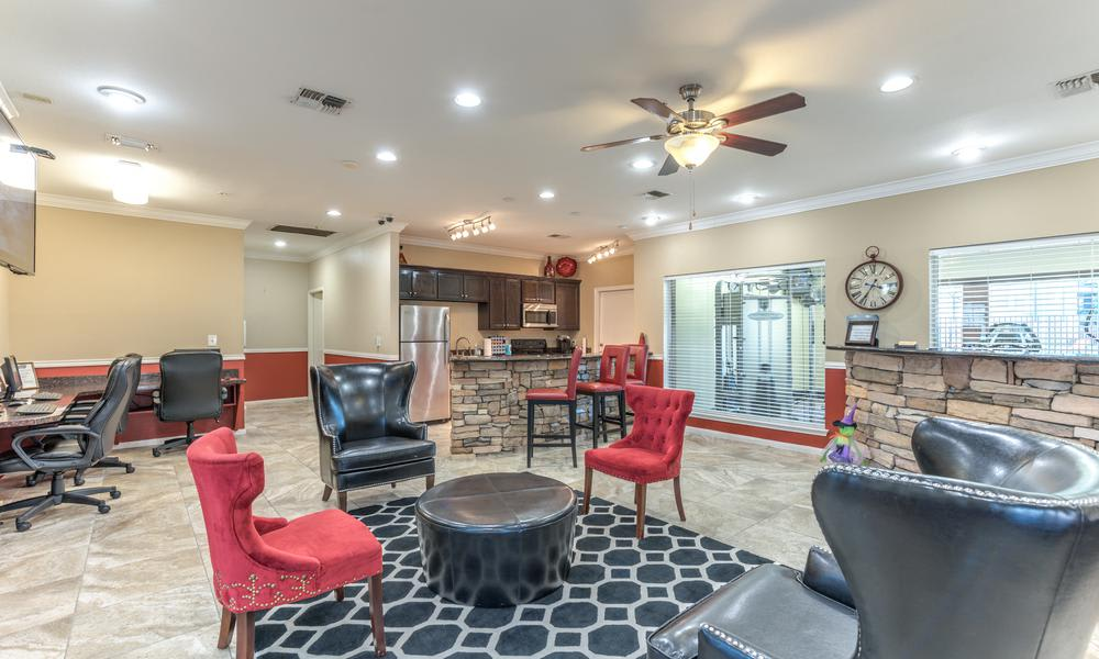 Clubhouse Living at Sutter Ranch Apartments in Houston, TX