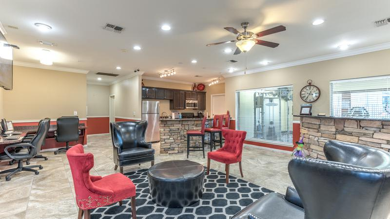 Clubhouse Living at Sutter Ranch Apartments in Houston