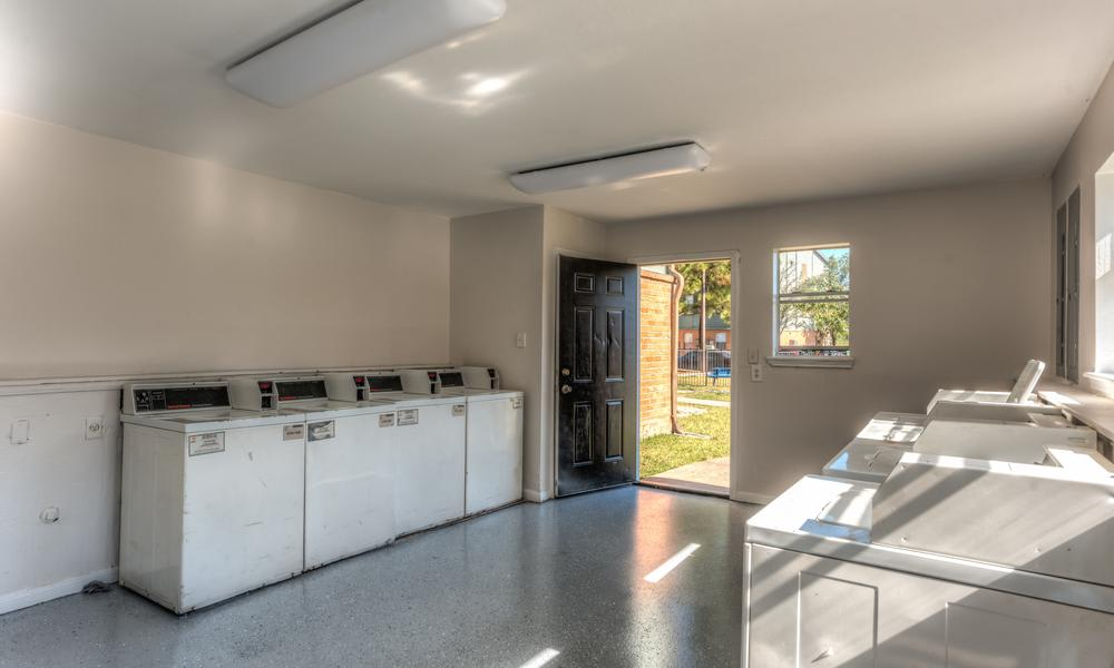 Laundry Room at Sutter Ranch Apartments in Houston, TX