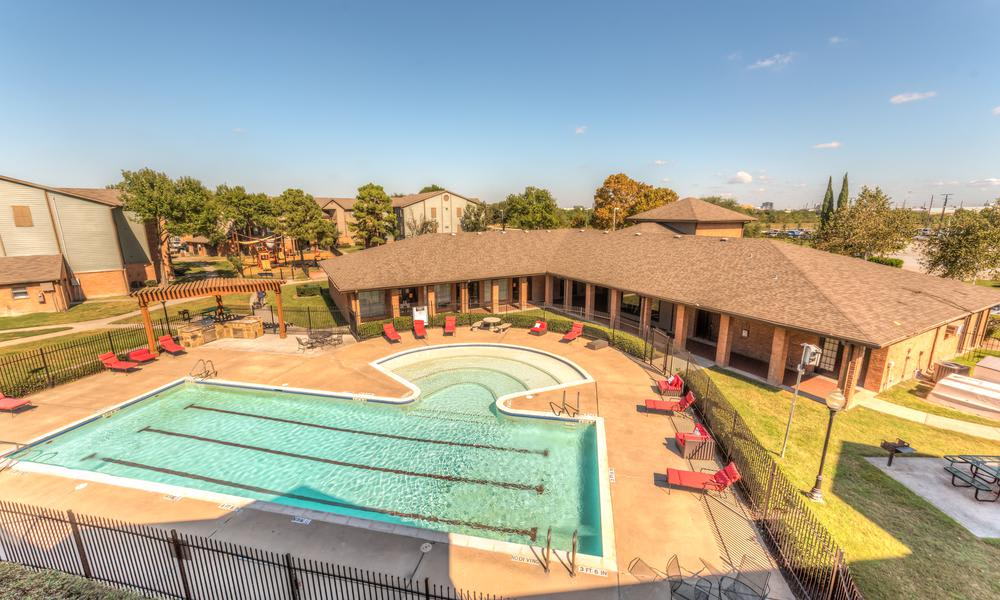 Swimming Pool Aerial View at Sutter Ranch Apartments in Houston, TX