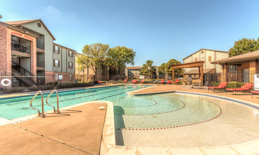 Swimming Pool Steps at Sutter Ranch Apartments in Houston, TX