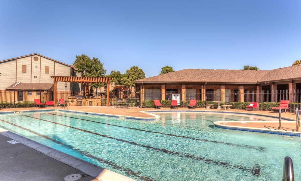 Swimming Pool at Sutter Ranch Apartments in Houston, TX