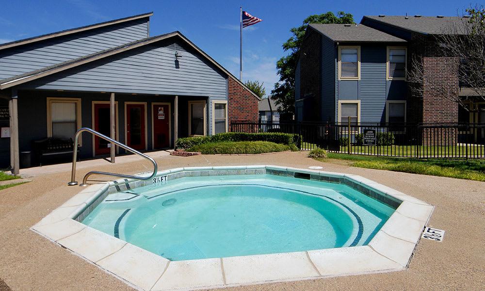 Creekside Apartments hot tub