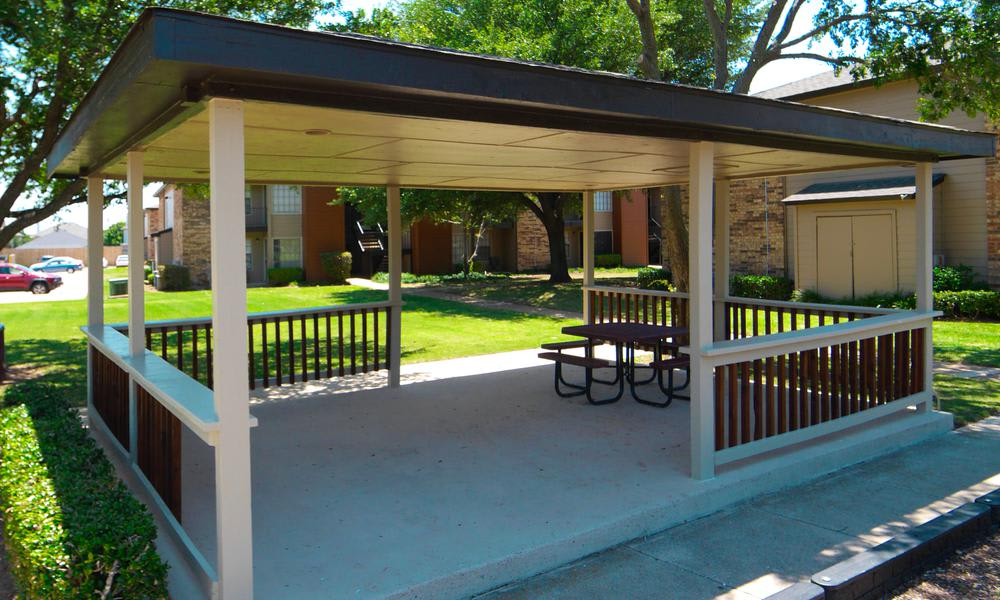 Gazebo at Savoy Apartments in Fort Worth