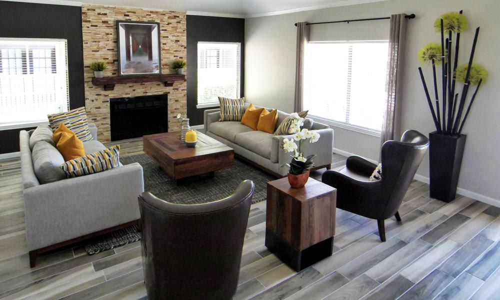 Saddlehorn Vista Apartments offers a luxury living room in Fort Worth, TX