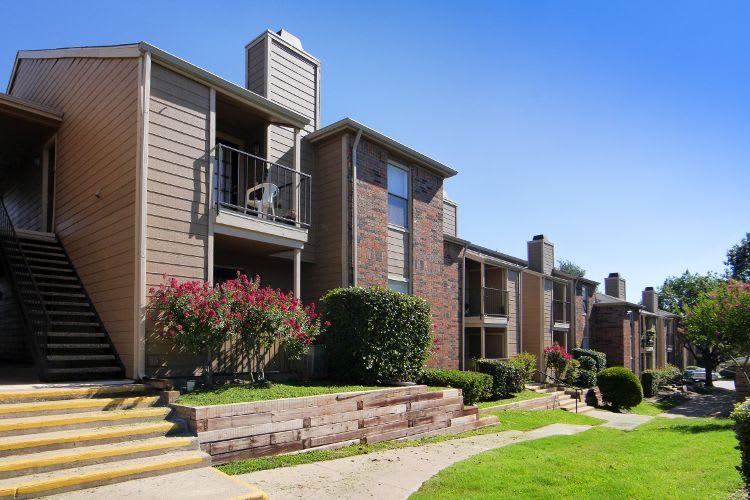 Exterior View at Saddlehorn Vista Apartments in Fort Worth, TX