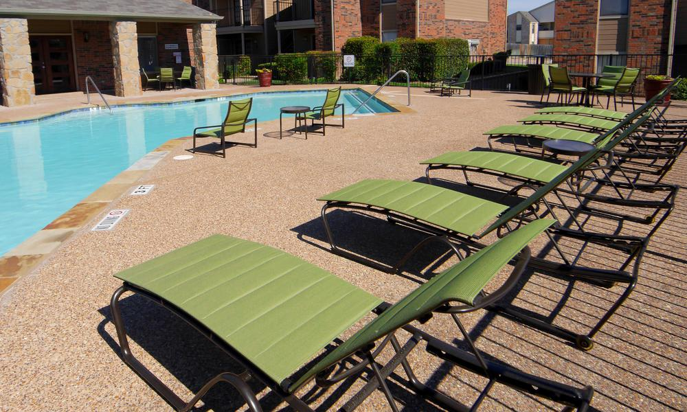 Swimming pool that is great for entertaining at Saddlehorn Vista Apartments