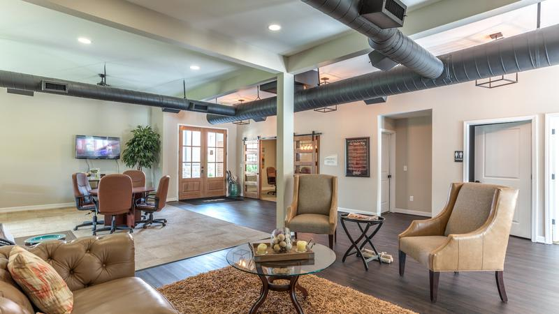 Clubhouse Living at The Bridge at Shady Hill in Baytown, TX