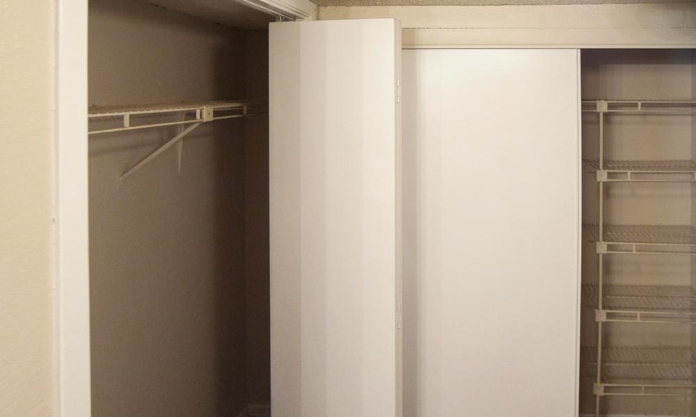 Mission Hill offers walk-in closets in Fort Worth, TX