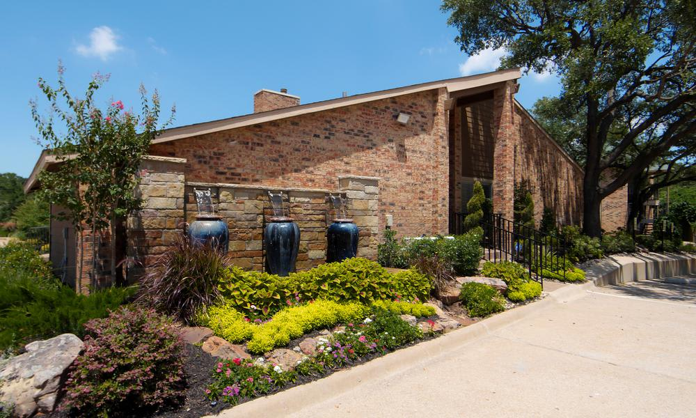 Beautiful Garden at Tuscany Apartments in Fort Worth, TX