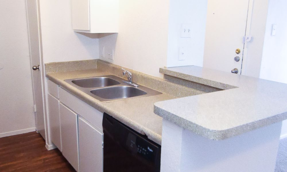 Fort Worth, TX apartments with stainless-steel appliances