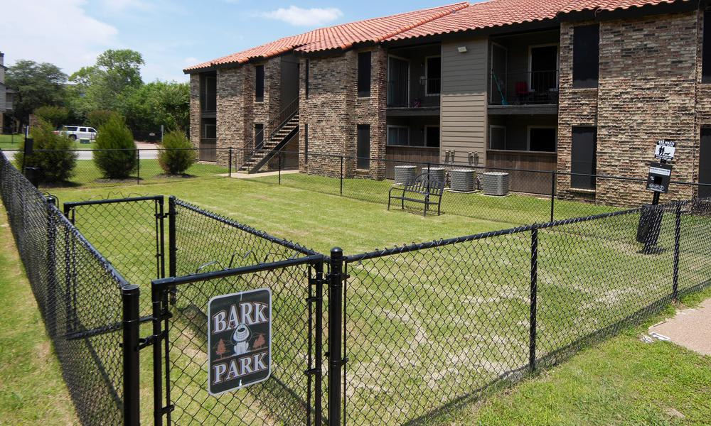 Enjoy apartments with a dog park at Verona Apartments