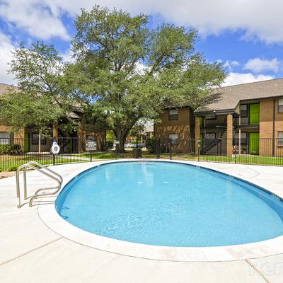 Available amenities at Renaissance Park Apartments