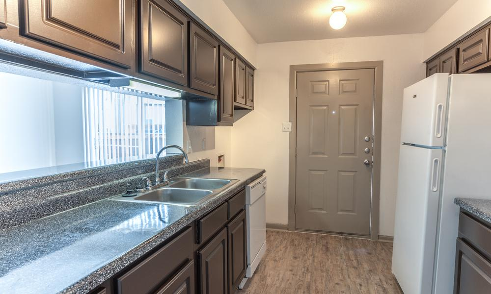 Kitchen Room With Breakfast Bar at Element Apartments in Houston, TX