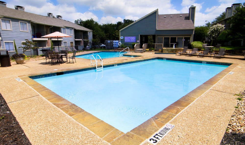 Enjoy our pool at Magnolia Crossing in Fort Worth