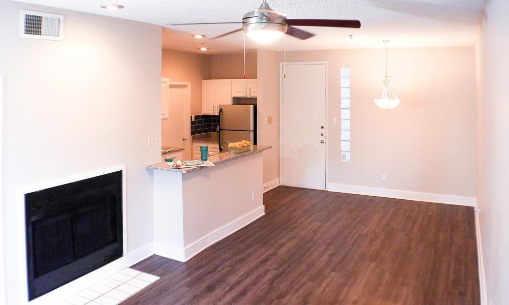 photos of soho apartments in dallas texas