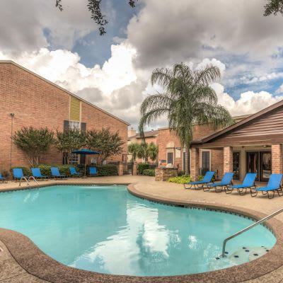 Available amenities at Verano Apartments