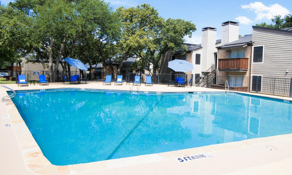 A swimming pool that is great for entertaining at Wyndham Pointe in Fort Worth, TX