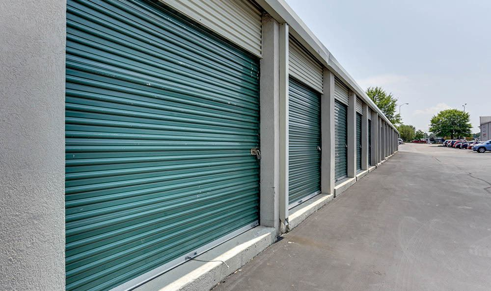 Drive Up Storage Units at Happy Boxes Self Storage in Richmond