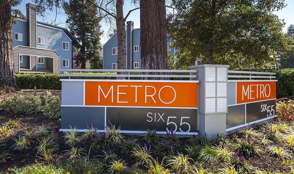Signage at Metro Six55 Apartments
