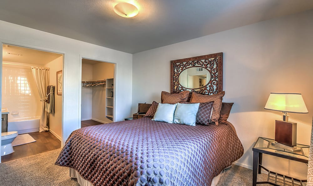 Spacious bedroom at Portola Del Sol in Las Vegas