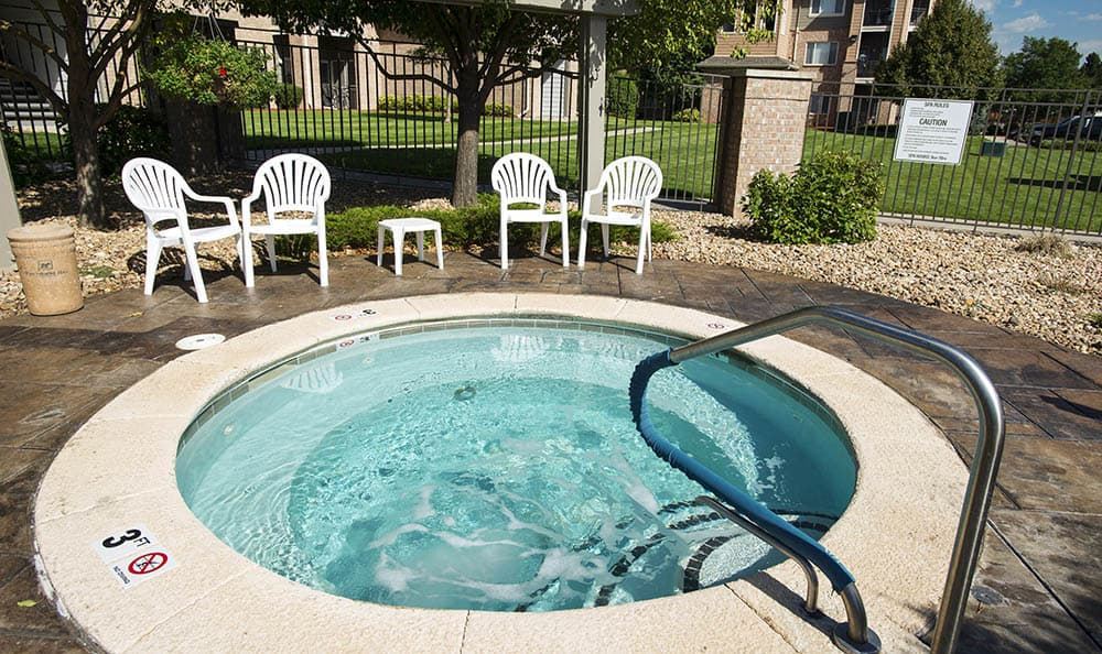 spa at Hawthorne Hill Apartments
