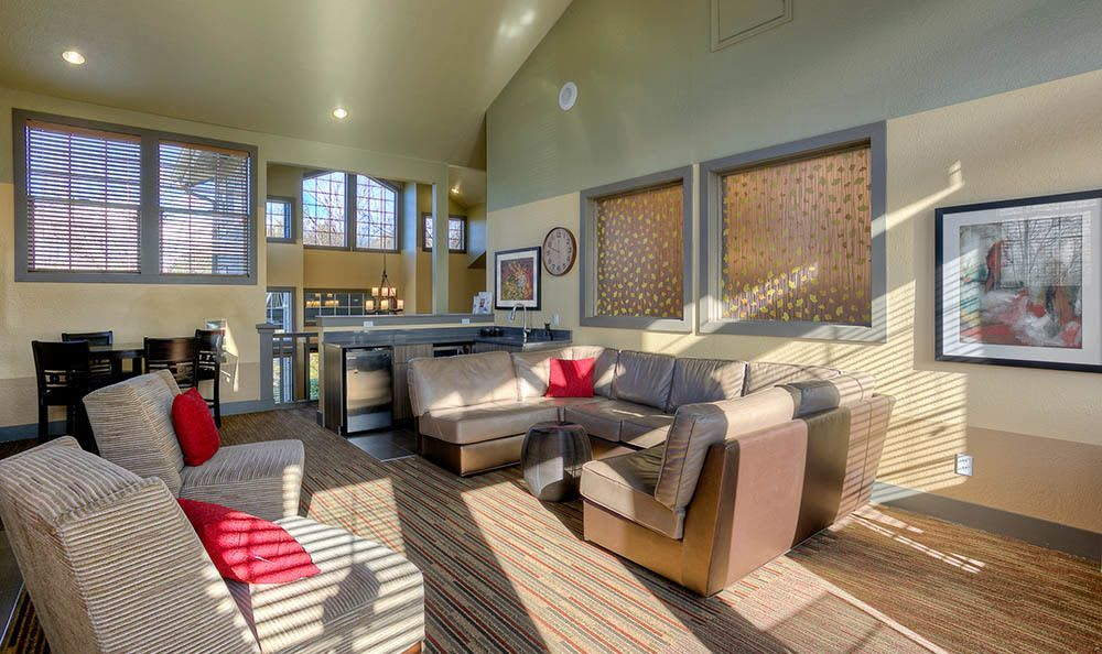 Community Clubhouse At Waters Edge Apartments