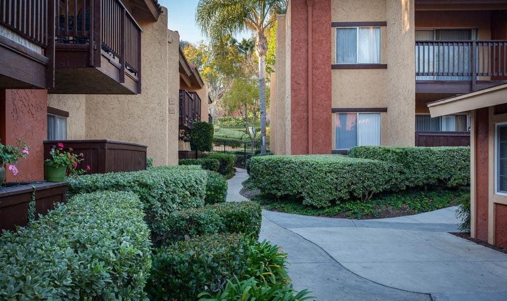 Apartments Garden at Shadow Ridge Apartments in Oceanside, CA