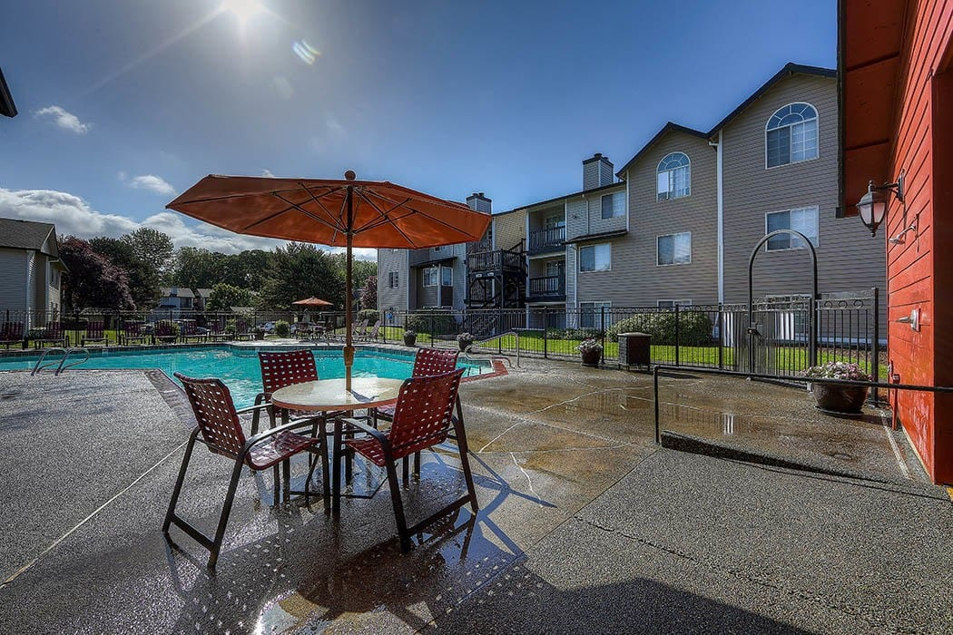 Pool area at Walnut Grove Landing Apartments in Vancouver