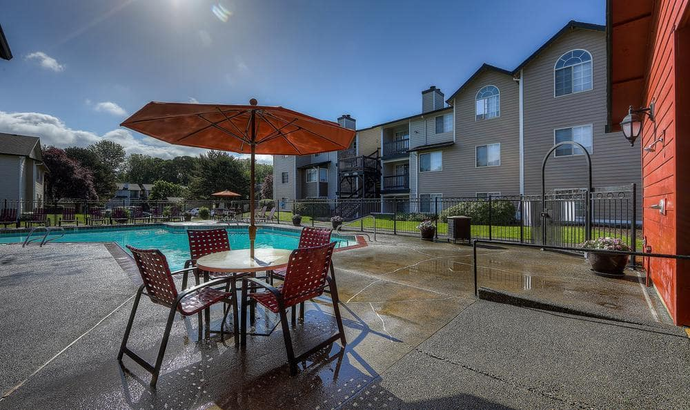 Pool Area at Walnut Grove Landing Apartments in Vancouver, WA