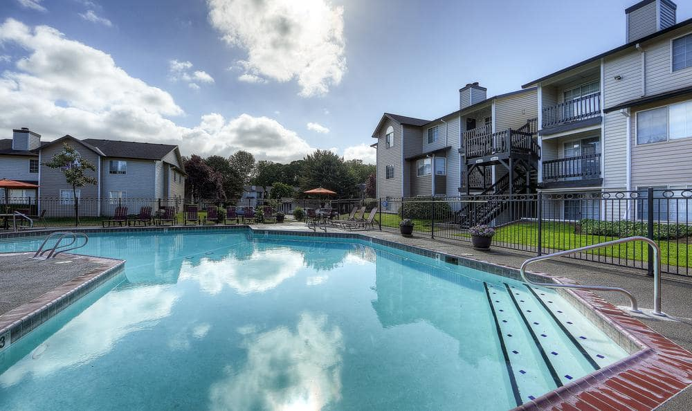 Swimming Pool at Walnut Grove Landing Apartments in Vancouver, WA