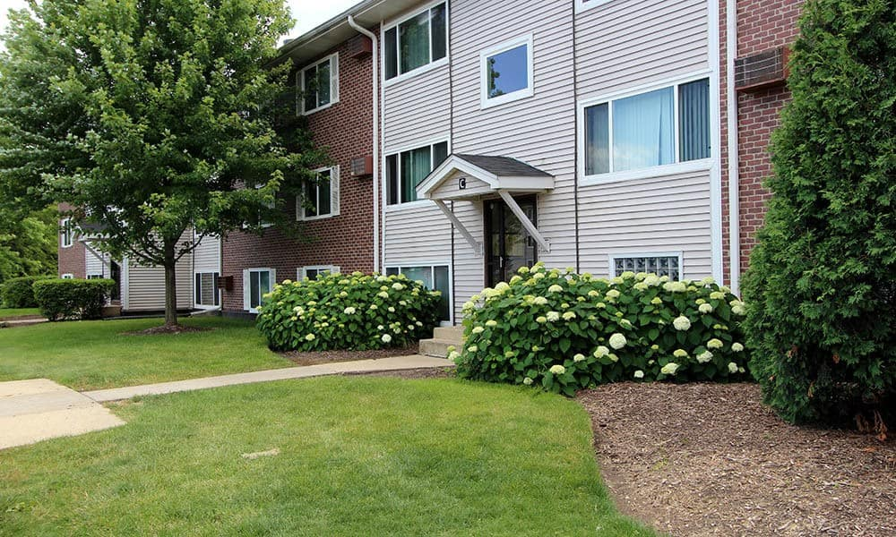 Exterior View Of Building C At Westline Apartments In Hanover Park IL