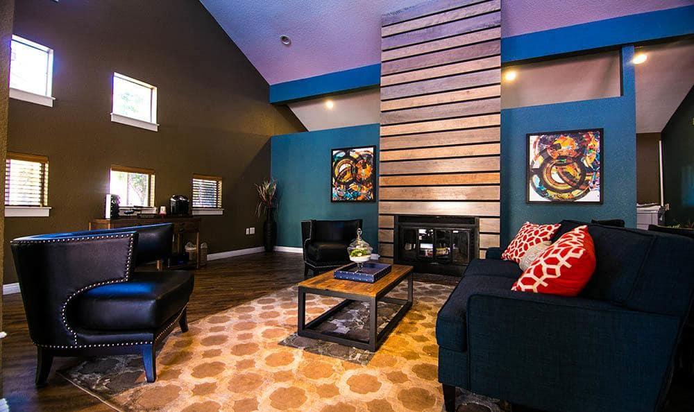 Clubhouse Lounge at Serramonte Ridge Apartment Homes