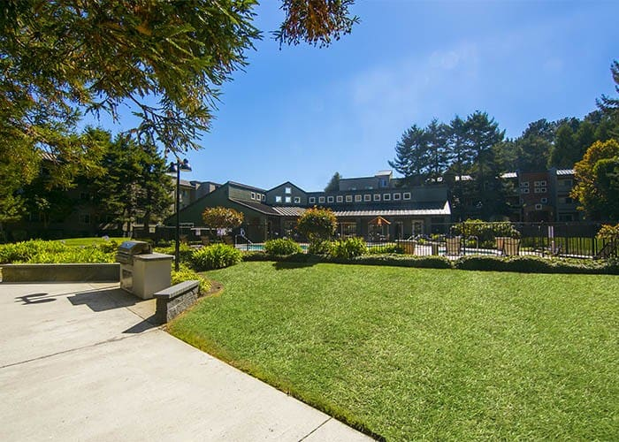 Enjoy the neighborhood at Serramonte Ridge Apartment Homes in Daly City