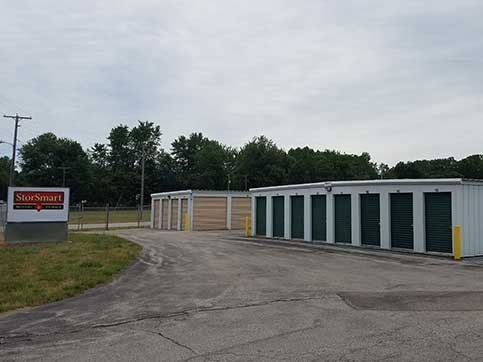 Paved driveways at BinTris Moving and Self Storage - Stevensville
