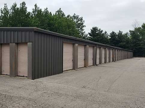 BinTris Moving and Self Storage - Stevensville offers convenient wide driveways