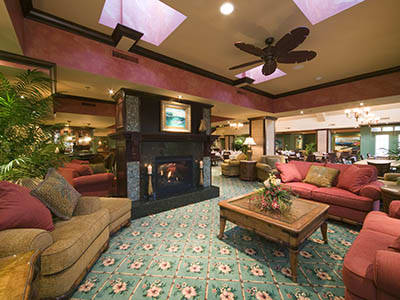 Lounge at Penninsula senior living