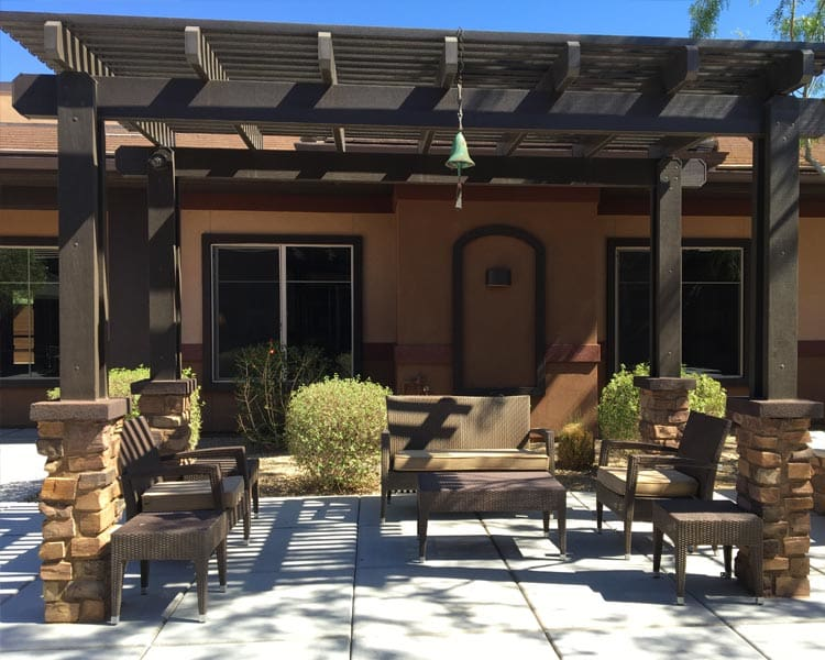 Outdoor Seating at Scottsdale Memory Care