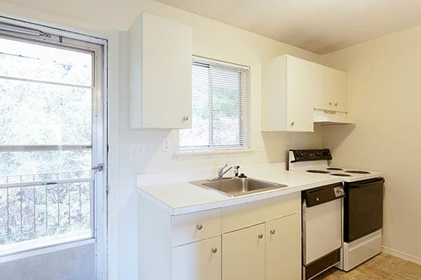 kitchen at Summit and Birch Hill Apartments