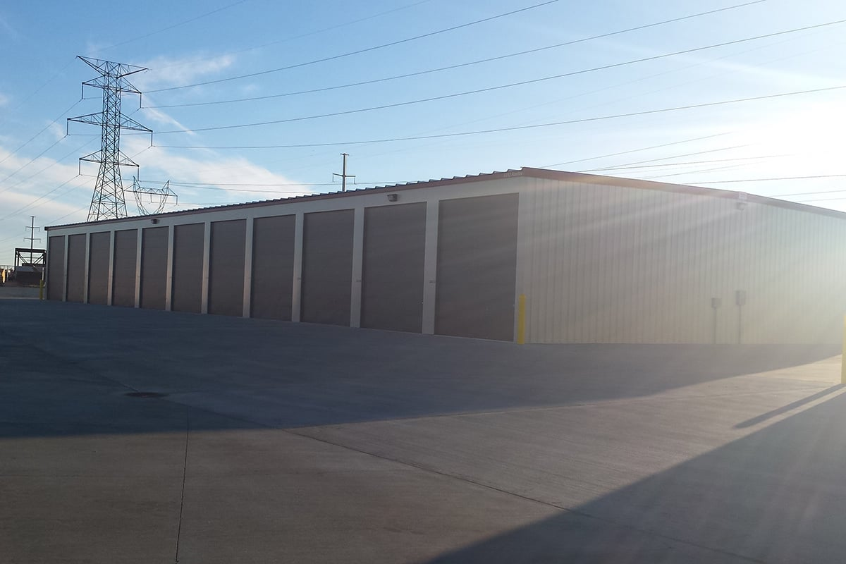 With military discounts, no deposit required, and month-to-month rentals, our storage units are perfect for military personnel at Five Star Storage in Bismarck.