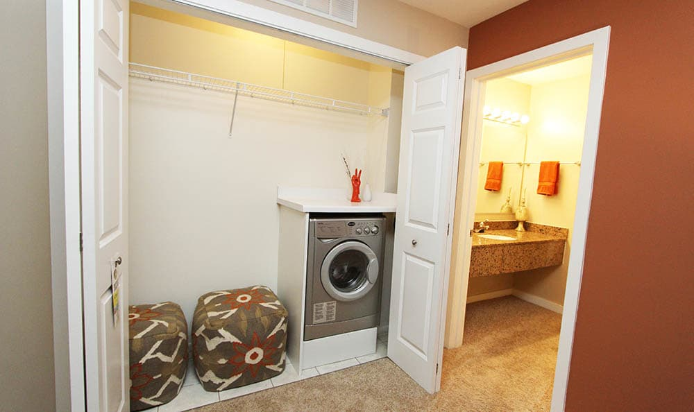Laundry room at Fieldpointe of Schaumburg
