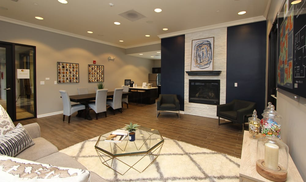 Newly renovated leasing office at Fieldpointe of Schaumburg