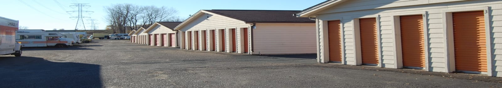 Coon Rapids Storage features