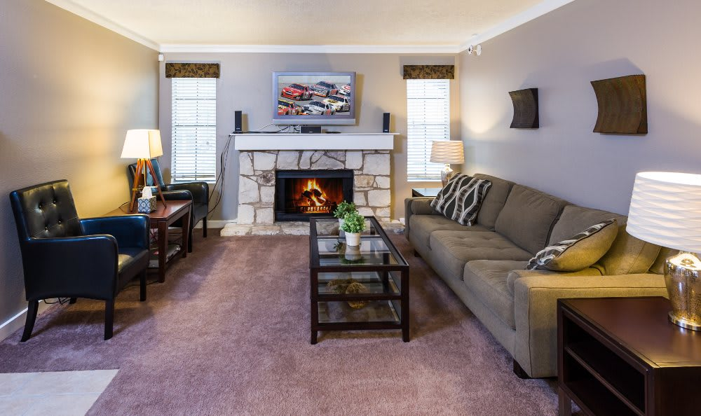 Living room and fireplace at Fountainhead in San Antonio