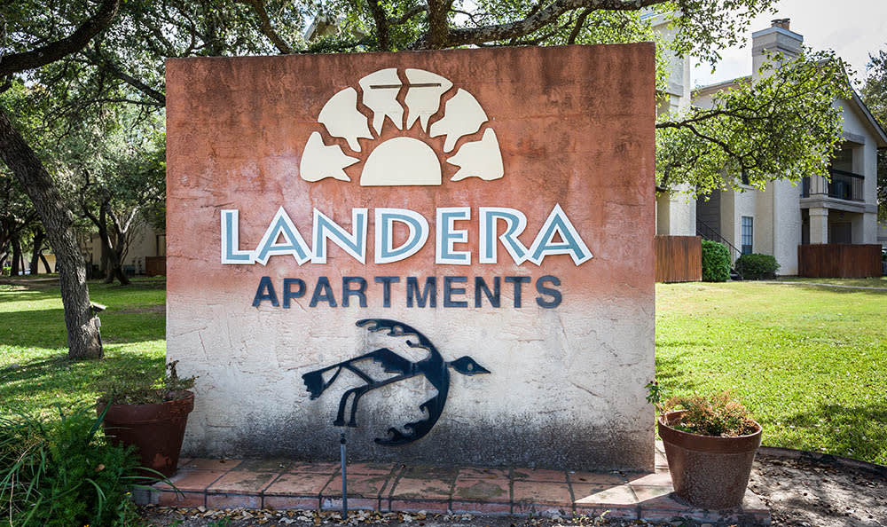 Landera Beautiful Front Sign