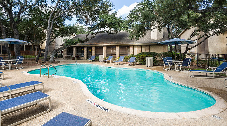 beautiful pool in the sunshine at Landera in San Antonio