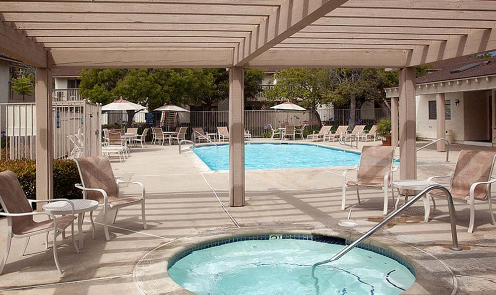 Hot Tub And Swimming Pool at Shepard Place Apartments in Carpinteria, CA